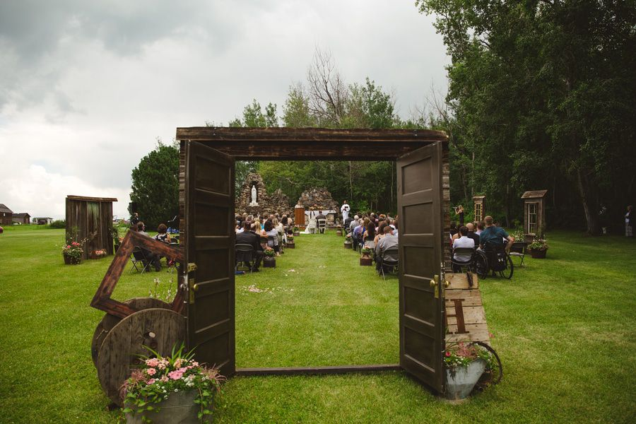 ... Outdoor Country Wedding ...