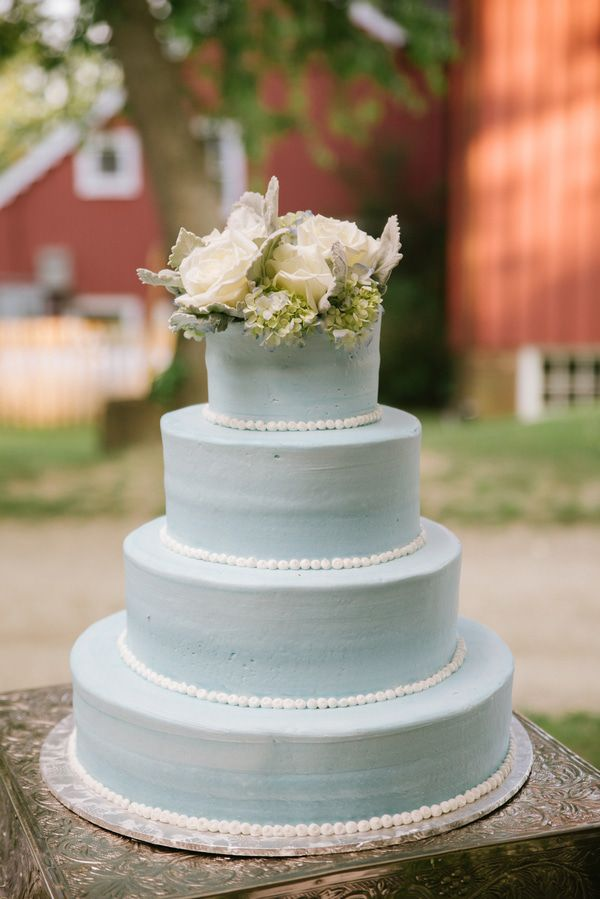 country rustic wedding cakes country style barn wedding rustic wedding chic 12983